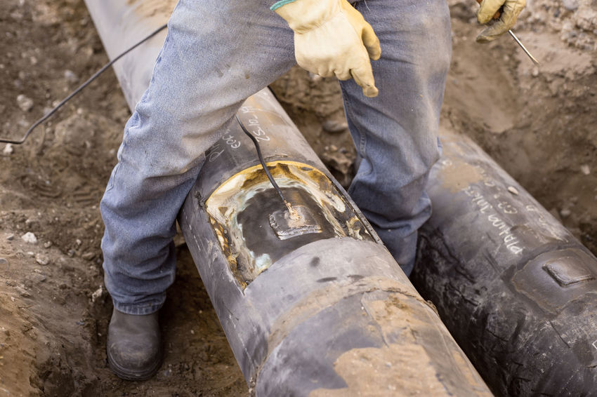 Petroleum Cathodic Cathodic Protection Corrosion Fire Flowline No People Oil Oil&gas Tools Welding Work Working