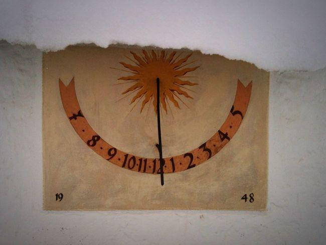 Horas Non Numero Nisi Serenas Wintertime Snow Sundial WhiteCollection Time What Time Is It? Winter Bavaria Germany Showcase: November