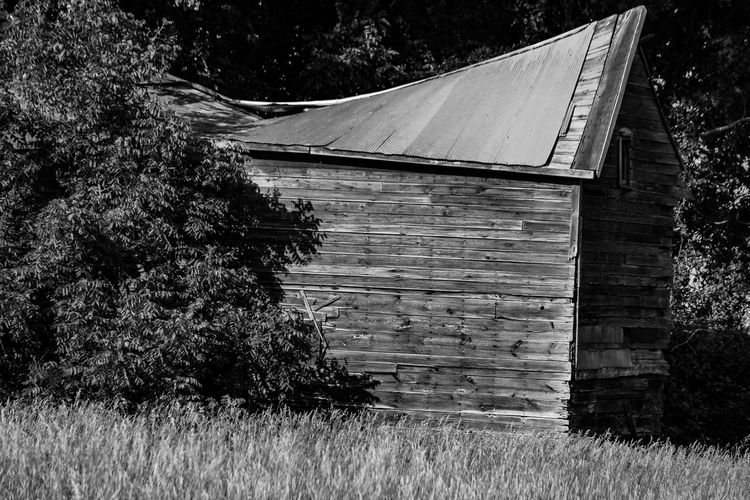 No People Outdoors Black & White Photography RuralTreasures  Broken Beauty Left To Rot And Ruin Decaying Building Architecture Decaying. Decaying Wood. Things Of Old. Abandoned Places