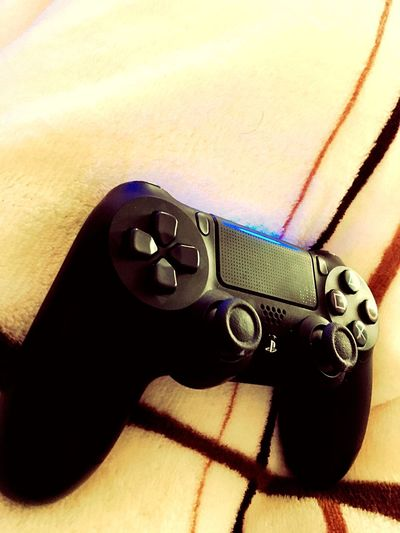 PS4 Shadow Indoors  No People Close-up Technology Day Love Yourself
