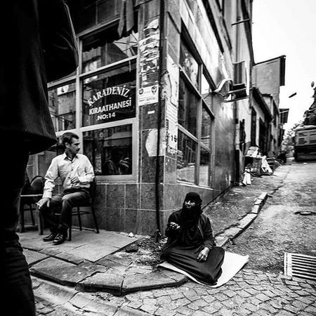 Hard life! Canon 7D / 11-18 Wwım13 Instapic Women Canon Tahtakale People_and_world Hardlife Wwım13goldenhorn Bw_istanbul Blackandwhite Bw Followforfollow Turkishfollowers Streetphotography Secretshot Yabangee Photooftheday Follow4follow Photoshoots Photography Ig_photo Aniyakala Followme EyeEm 500px flicker twitter instagram shoot2kill instagoodness
