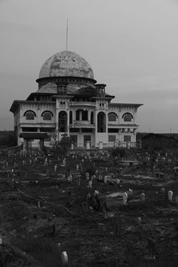 dramatic mosque Bnw Old Eastjava Blackandwhite Bnwphotography Nature Canon Indonesia Photography  INDONESIA Bnw_collection Wonderful Indonesia EyeEmNewHere Landscape EyeEm Best Shots EyeEm Nature Lover EyeEm Gallery Dramatic Sky Mosque Traveling Travel Photography Nice Pasuruan Awesome Portrait Perfect Landscape_Collection Wonderful Cultures uniqueness