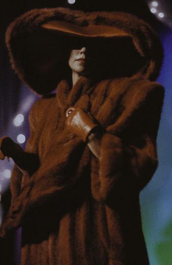 Rot Handschuhe Hut Indoors  Lippenstiftsucht Mode Pelzmode Redfure Women