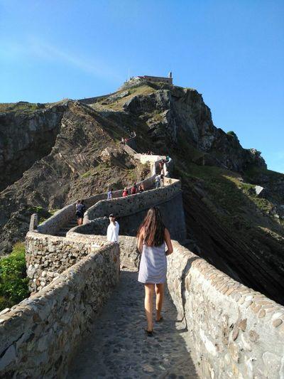 Ninguna meta es imposible 😛😆. San Juan de Gaztelugatxe, Bakio.