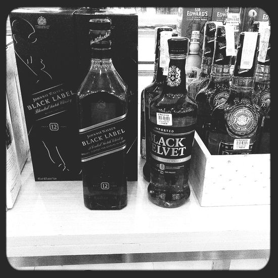 Blackandwhite Black Label Black Velvet    Alcohols