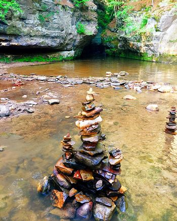 Stone stacking/Cairns Rock - Object Water Stonestacking Stone Stacking Stone Stack Natural Pool Colorful Stones Cairn Cairns Baraboo Baraboo Wi Pewits Nest Pewitsnest Live For The Story Place Of Heart The Great Outdoors - 2017 EyeEm Awards Sommergefühle