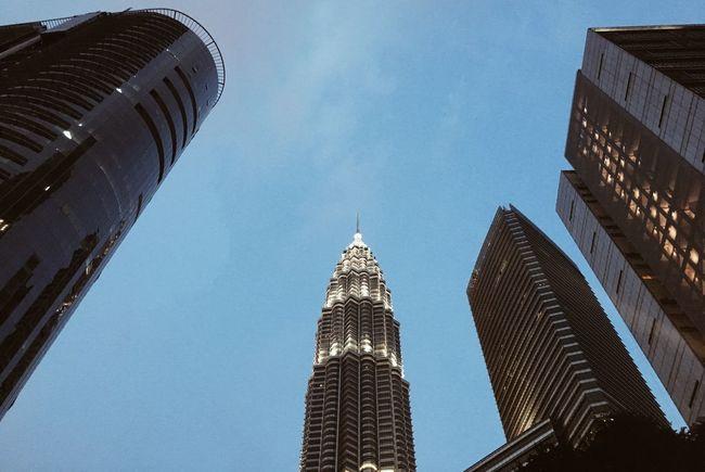 Malaysia Skyscrapers Buildings Petronas Petronas Towers  Kuala Lumpur Sky EyeEmNewHere The Week On EyeEm Low Angle View Perspectives