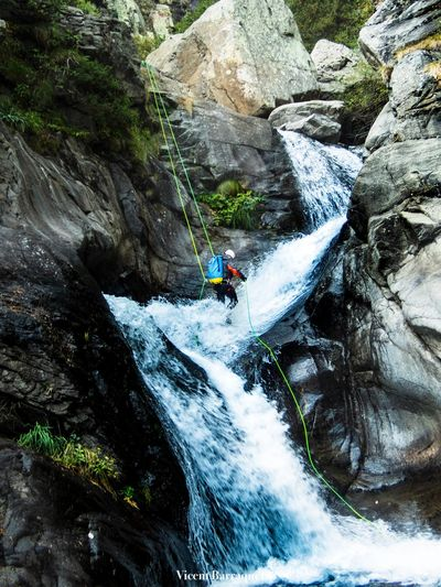 Rock - Object Rock Solid Sport Adventure Beauty In Nature Nature Extreme Sports Rock Formation Mountain Water Leisure Activity Waterfall Outdoors Activity Non-urban Scene