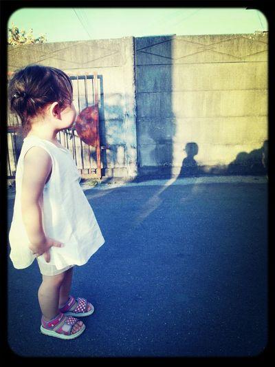 小時候,我也這樣站在門口。好可愛呀~ Baby ❤ Sweet Baby Happytime Recollections Of Summer