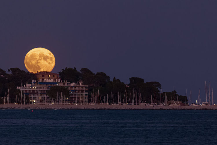 Moonrise Côte