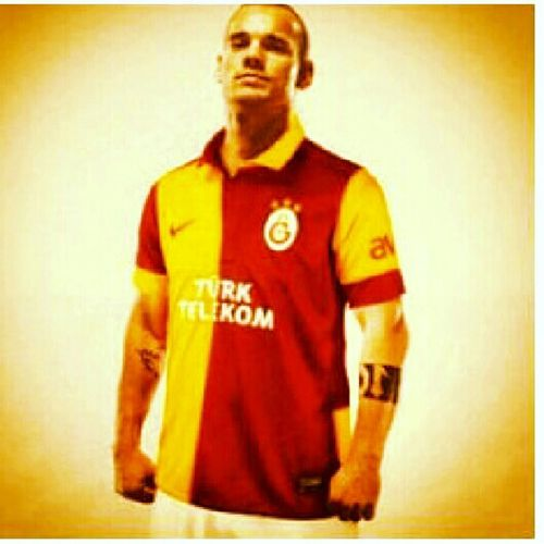 GalataSaray Sampiyon GALATASARAY Wesley Sneijder
