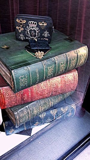 History Multi Colored Vacations Dolce & Gabbana Barcelona D&G Original Interesting Interesting Perspectives Picture Vision Shopping ♡ Beautiful Books Learning Learning Photography SPAIN Takeitbyme