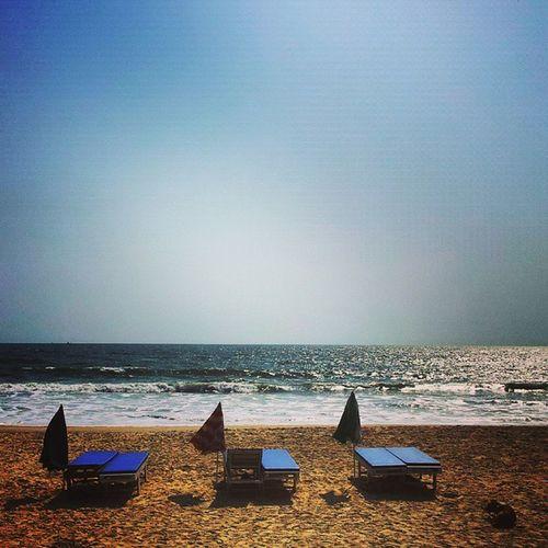 Goa Seashore Beach Life Nature Waterfoam Sand Seashore Reflection Ocean Beauty Beautiful Water Sky Sun Waves Amazing Pretty Clouds Fun Bluezone Photooftheday Instagood Beach Shore ahd goa India