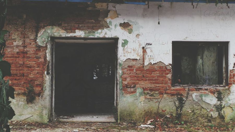 Built Structure No People Door Abandoned Architecture Building Exterior Bad Condition Forest Background For Quotes Background Photography Screensaver Shot Backgrounds Decaying Building Decaying Structure Abandoned Buildings Abandoned Places Abandoned House Explore Abandoned Places ExploreEverything Isolated Winter Ruined Building Cold Temperature Ruin Woods