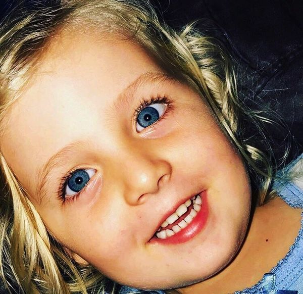 Eyes 😍. Looking At Camera Portrait Blue Eyes Blond Hair Close-up Childhood Smiling Human Face Happiness One Person Headshot Human Eye Real People Indoors  Day Adult People