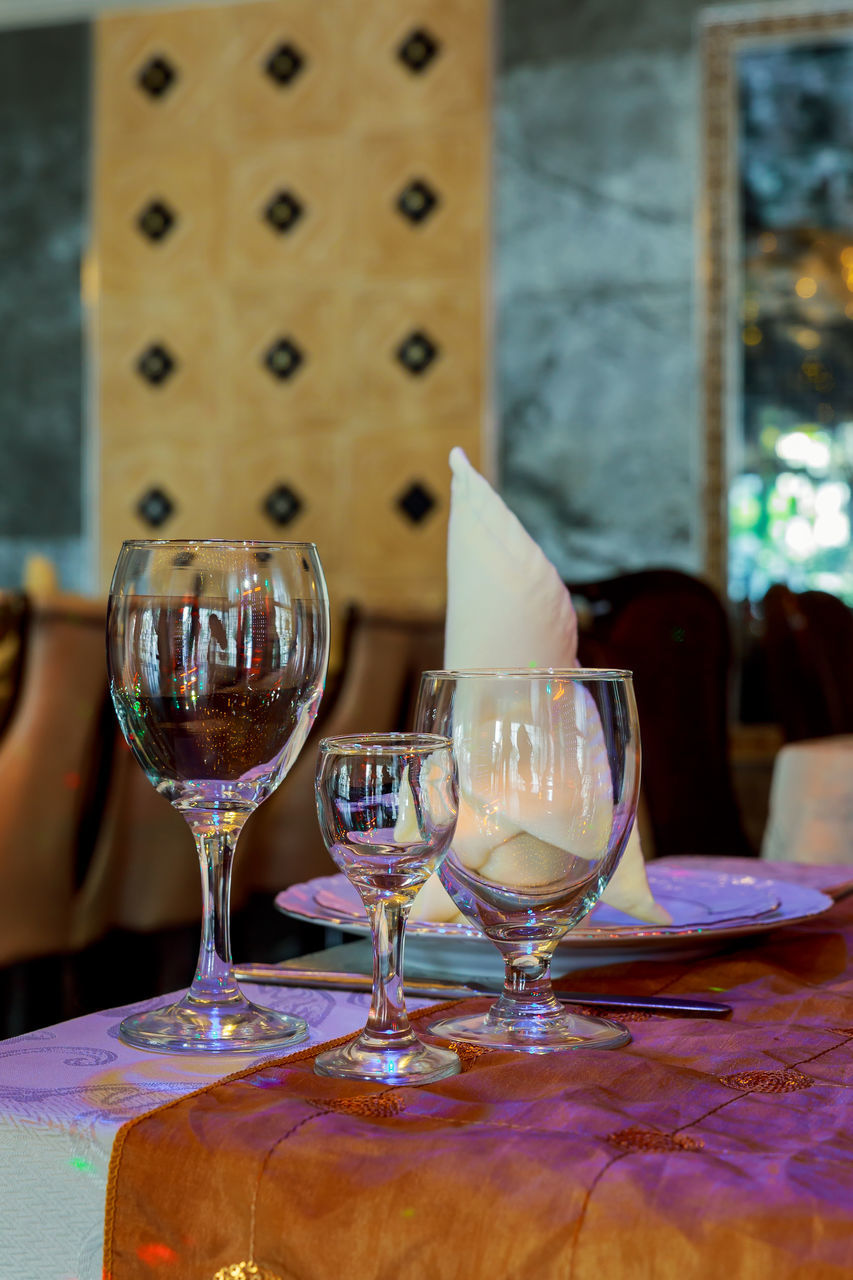 table, wineglass, food and drink, indoors, wine, drinking glass, alcohol, no people, drink, close-up, food, day, freshness