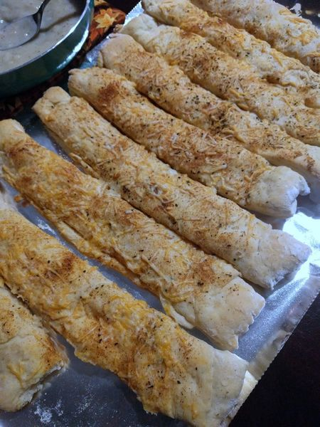 Bread Breadstick Breadsticks Cheese Close-up Dinner Dinner Time Food Food And Drink Food And Drink Freshness Indoors  No People Ready-to-eat Yummy