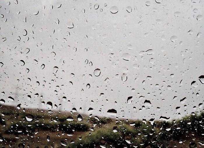 ربي مع كل قطره مطر اسألك ان تغفرلنا وترحمنا وتشفي مرضانا.?✨
