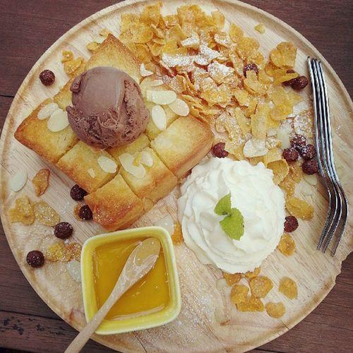Yellow Mango Honey Toast Honeytoast Yellowmango Chiangmai Chiangmaitrip2015