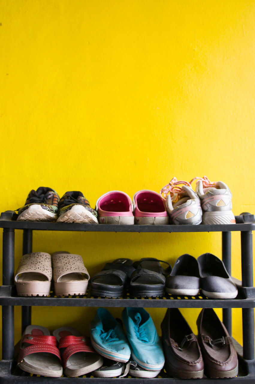 variation, in a row, choice, large group of objects, no people, multi colored, shelf, yellow, indoors, arrangement, day, close-up