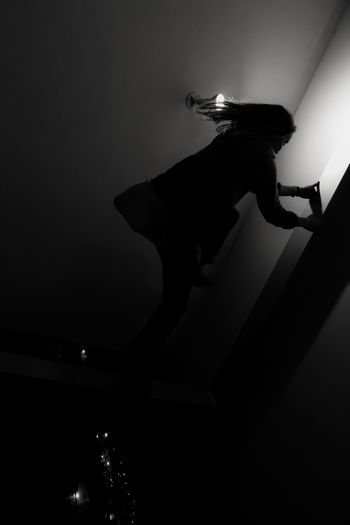 Is this real life, is this just fantasy? Architecture Eric Owen Moss Perception Blackandwhite Climbing Night One Person