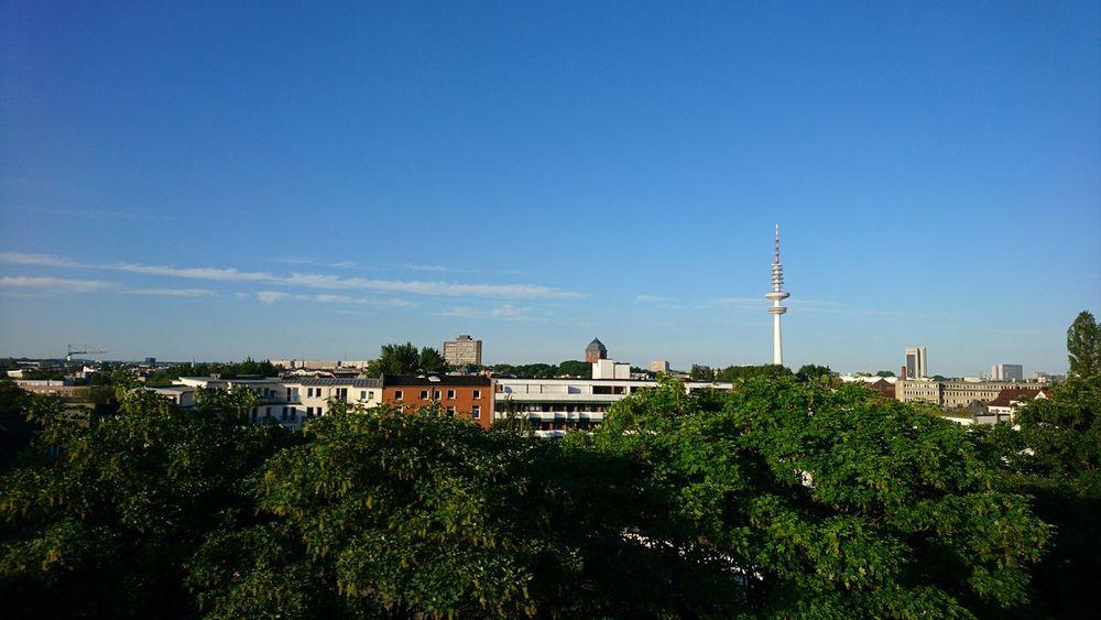 Hamburg with Heinrich Hertz tower. · Hamburg Germany Hh 040 Skyline Cityscape Urban Landscape German Cities Green Cities Heinrich-Hertz-Turm Radio Tower Distance Blue Sky Beautiful Day