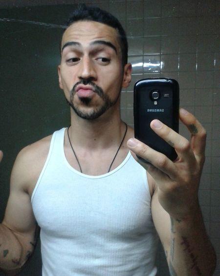 Mirror Man Sexyman SexyTattoos Tattooos Kiss Selfie Pic Caracas Venezuelan