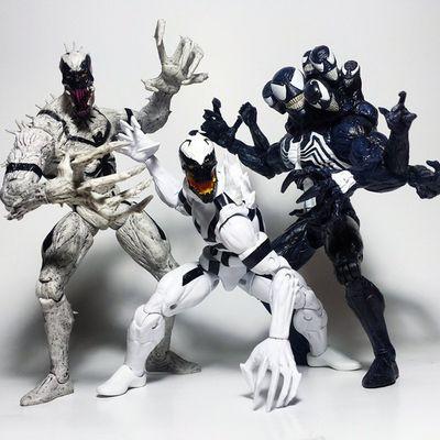 VENOM PARTY! Marvel Marvellegends Venom Spiderman Eddiebrock Symbiote Antivenom Marvelselect Actionfigure Toys Toyphotography Toypizza Toysarehellasick Toyrevolution Toyslagram