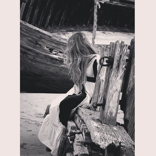 Blackandwhite B&w Shipwreck Longhair