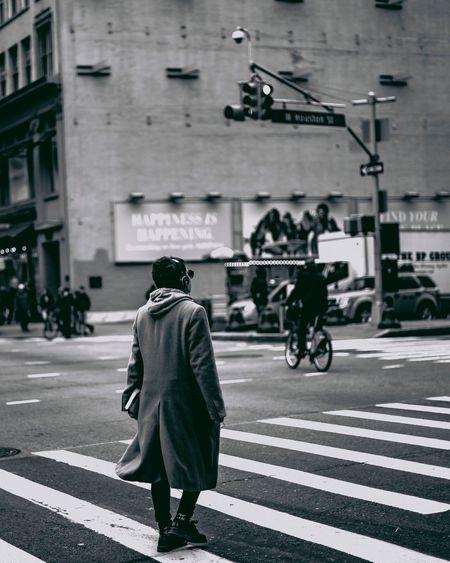 Crossing Street City Eye Em Vision EyeEmbestshots Bnw_friday_eyeemchallenge EyeEm Bnw EyeEm Masterclass EyeEmBestPics EyeEm Best Edits EyeEm Gallery EyeEm Diversity EyeEm Best Shots EyeEmNewHere Nikonphotographer The Portraitist - 2017 EyeEm Awards The Photojournalist - 2017 EyeEm Awards Eyeemphotography EyeEmStreetshots Street Photography Streetphoto_bw Streetphotography Bnw_collection Bnw_captures Citylife Bnwphotography The Street Photographer - 2017 EyeEm Awards EyeEmNewHere EyeEm Selects The Week On EyeEm