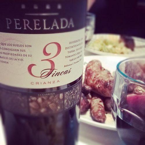 Perelada. 3 Fincas. Crianza et BBQ de Saucisses maison au piment d'Espelette ... Tinto Wine Vin Homemade FaitMaison Grill Rouge Instagood Instadaily
