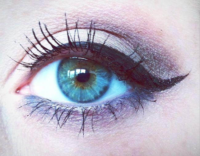 Eyeliner♥ Lashes Makeup Eyemakeup Green Eyes Eyes Bluegreengreyeyes Eyecolors