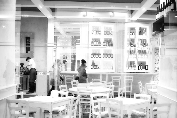 Black & White Black And White Blackandwhite Cafeteria City Life Streetphoto_bw Young Adult Street Photography Streetphotography Reflections Real People Indoors  Urban Lifestyle Urban Living