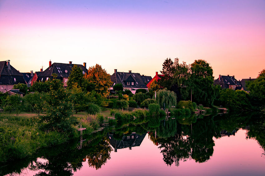 Reflection River View Riverside Werne A.d. Lippe Architecture Beauty In Nature House Landscape Lippe Münsterland No People Outdoors Reflection Reflection_collection Reflections Reflections In The Water River Sky Sundown Sunset Water