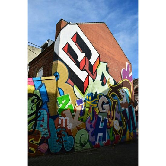 Feb 2015 Lille Wazemmes France STRRET ART/GRAFFITI Art De Rue Graffiti Art Colorful Urban Art Cityscape Citytrip