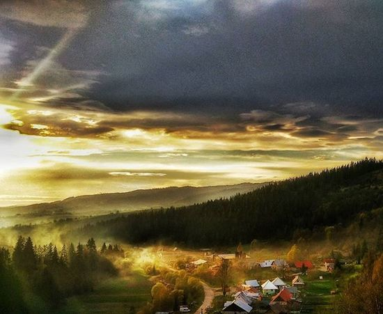 🌄🌄🌄 Sunset Slovakia Slovaknature Mobilephoto Slovakiabeauty Naturebeauty Naturelovers Insta_svk Instalike Thisisslovakia Panorama Sky Trip Picoftheday Instashot HDR Ig_slovakia Trip Trees Priroda Colors Instapic Ig_europe Exclusive_shot Naturegram CleanCaptures ilovenature vyhlad landscape