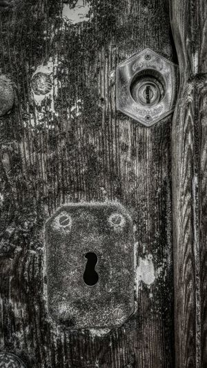 Evolution Textures Textures And Surfaces Textured  Wood Wood - Material Wooden Wooden Texture Woody Door Old Old-fashioned Old Door Lock Contrast Blackandwhite Black & White Blackandwhite Photography Details Textures And Shapes Detailphotography Details Detailed Deterioration Conceptual Photography