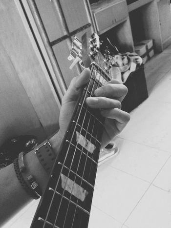 s me] play 🎸