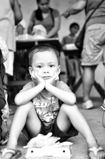 Son Boy Kid Blackandwhite 2018 Nikonphotography Nikon D7000 Prime Lens 35mm Leyte Feeding  Nikon D7000 Philippines Black And White Black And White Photography Stare Jollibee Jollibee Chicken Baby Indoors  Adult Child Day