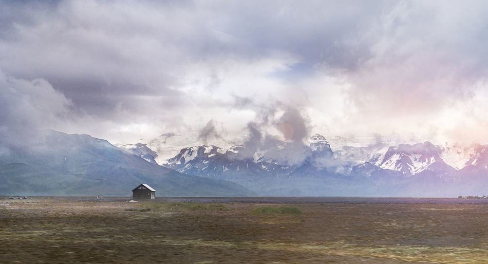 A picture of a remote cabin in Iceland