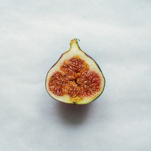 Figs Fruit Cutinhalf Colours green red yellow delicious photooftheday bestoftheday life weekend xe1 fuji vsco vscocam sunday cool life photography lifeisshort summer instalike lifeisshort simple beautiful portrait alive
