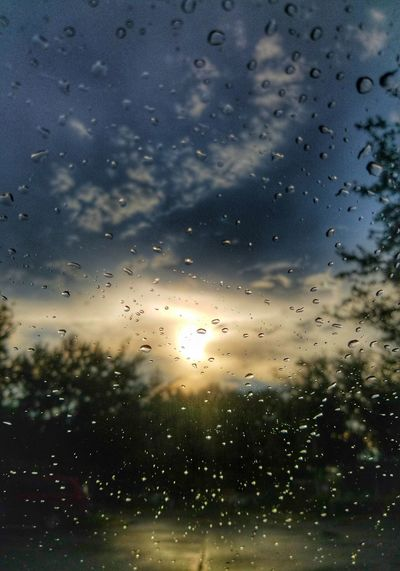 When your Camera decides the Rainy Window is more Interesting than the Sunset. Omg Sky Backgrounds No People Close-up Water Day Colors Transparent Drop Nature Outdoors Drops Drops Of Water