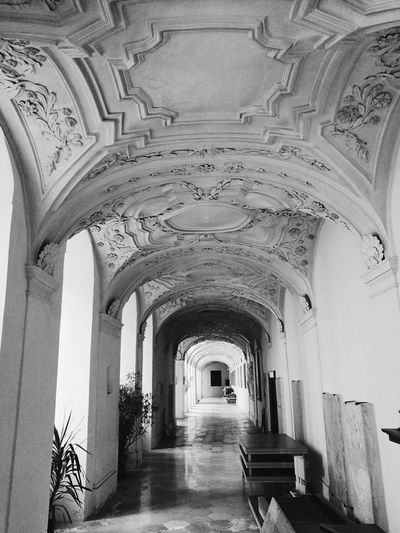 Hidden hallway of a local monchery. So in love with its light and architecture. Architecture Monchery Blackandwhite Bw VSCO Vscogermany Germany Southerngermany Leica Huawei P9 Leica Love Photography First Eyeem Photo