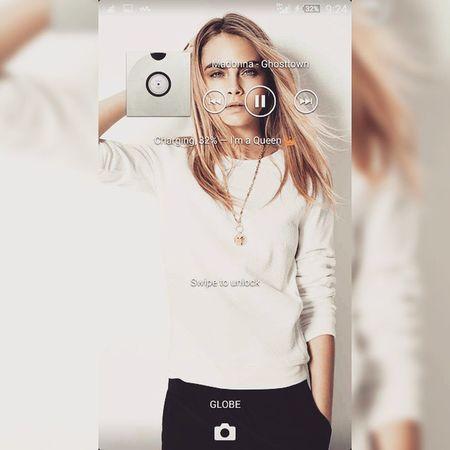 Cara Delevigne for my lock screen. Womancrush Caradelevigne