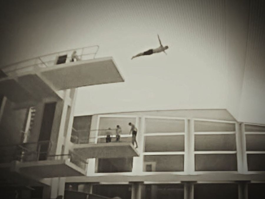 The Amazing Human Body That's Me Diving Jump