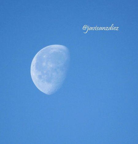 Hoy la luna no se quiere perder éste precioso día Destinorural Aracena Movilgrafias #entraenmilimbo
