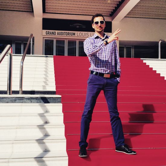 Palais des Festivals à Cannes Me Fashion Model Streetfashion Men Mensfashion Style Love Happy Moda Streetphotography Fashion Photography EyeEm Best Shots Enjoying Life EyeEmNewHere Eye4photography  EyeEm Gallery Redcarpet Cannes Film Photography Filmfestival Croisette France Sunglasses One Man Only Mid Adult Only Men Casual Clothing Mid Adult Men One Person Love Yourself