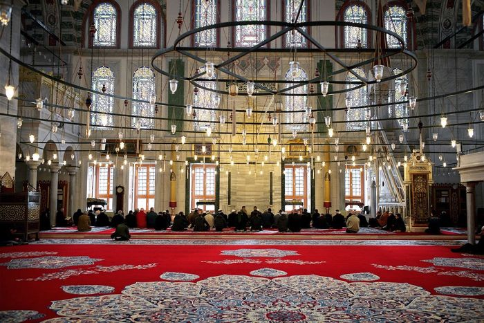 Alfateh mosque, Istanbul. Documentary Streetphotography