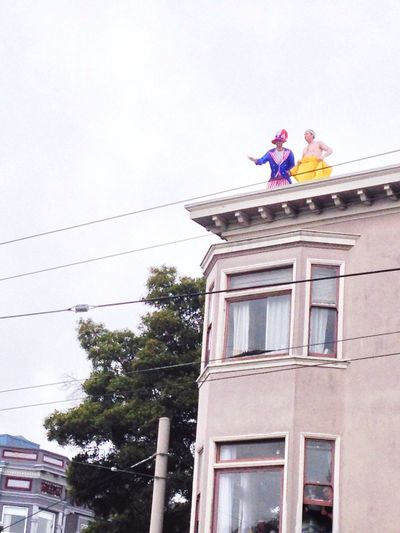 Snapshots Of Life San Francisco California Baytobreakers Bay To Breakers Streetphotography Enjoying Life Hanging Out Party at the Rooftop 😄 Party Time! Break The Mold