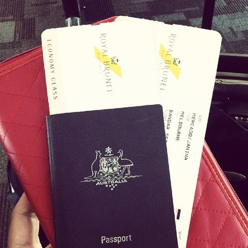 The wait is finally over!! Im coming home!♥ SoloFlight FlyingSolo Rba Royalbruneiairlines manilabound